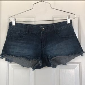 Roxy Jean shorts frayed size 25